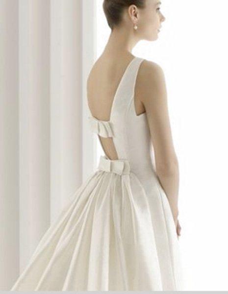 3589ee5e6601 La Boutique Wedding Room Sposa nasce nel dicembre 2010 da un sogno nel  cassetto della titolare Antonella Pastore