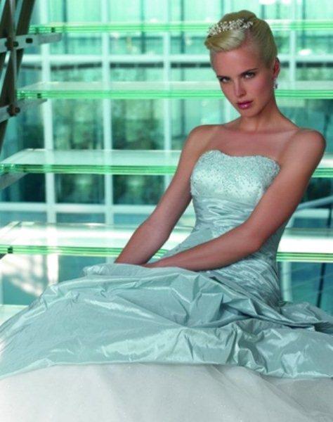 88dbba4372f9 Sposami Atelier alta moda sposi e cerimonia