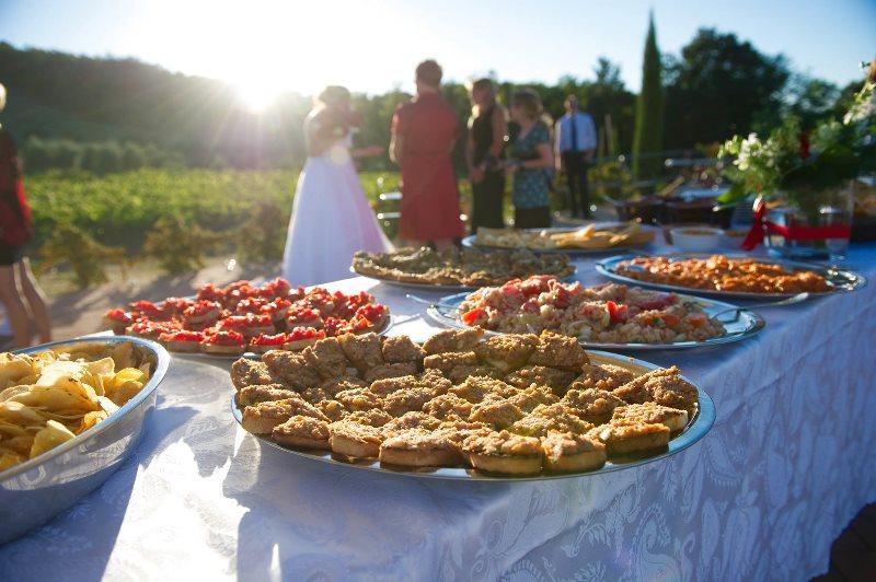 Pranzo Nuziale Puglia : Sposarsi in puglia tra gli ulivi masserie country house e